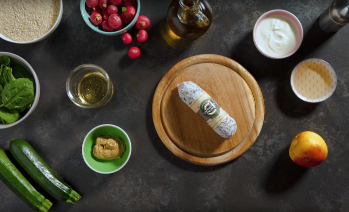 Poke Bowl all'italiana con Salame Cacciatore Italiano e dressing alla senape