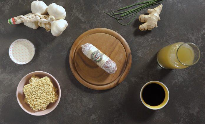 Ciotolina di noodles con Salame Cacciatore Italiano